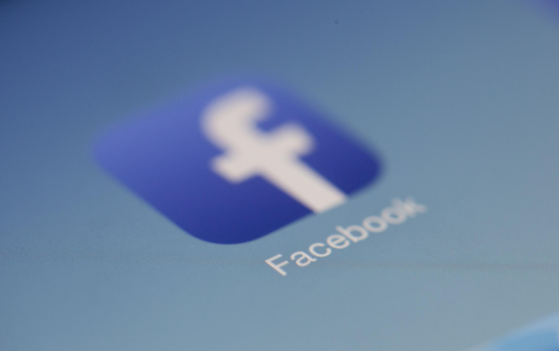 Iyj Facebook As A Symbol Of Vietnamese Pop Culture